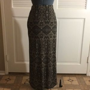 Dresses & Skirts - Super cute Maxi skirt!